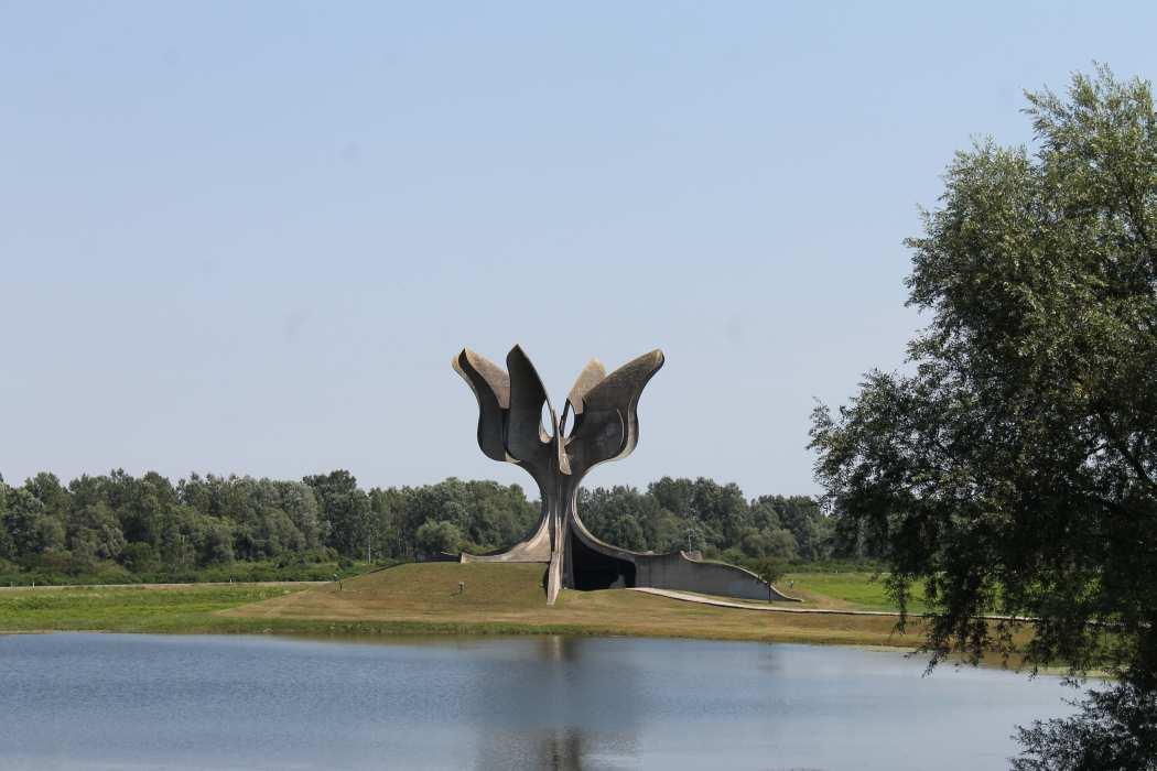 Šta nam danas znači Jasenovac? - Oštra Nula